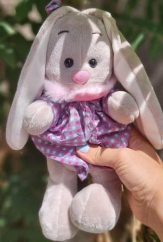 Yumşaq oyuncaq mavi donlu dovşan