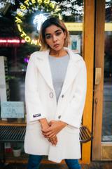 Белое пальто из ангоры Nadya