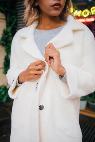 Белое пальто из ангоры интернет магазин