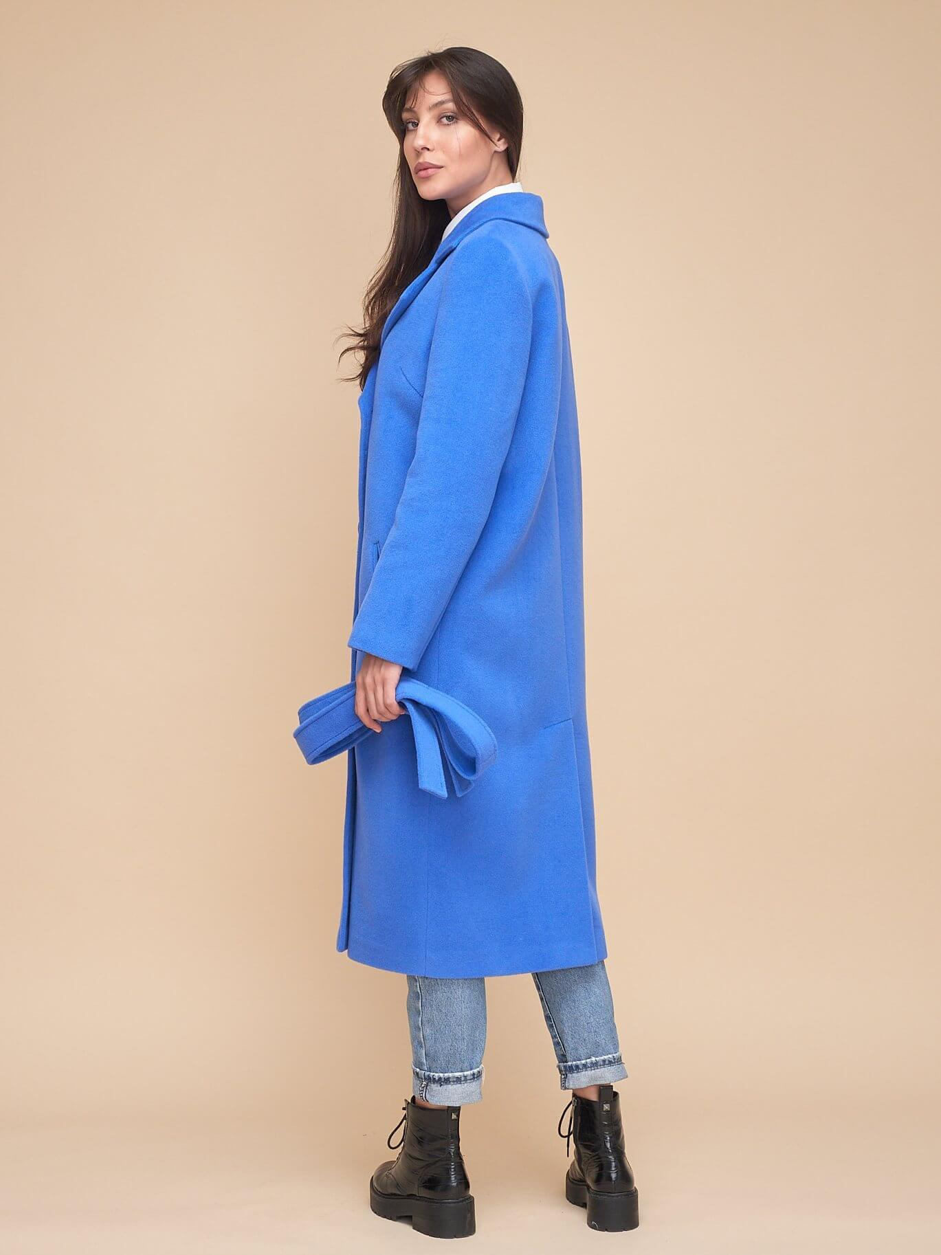 Пальто с поясом прямого кроя