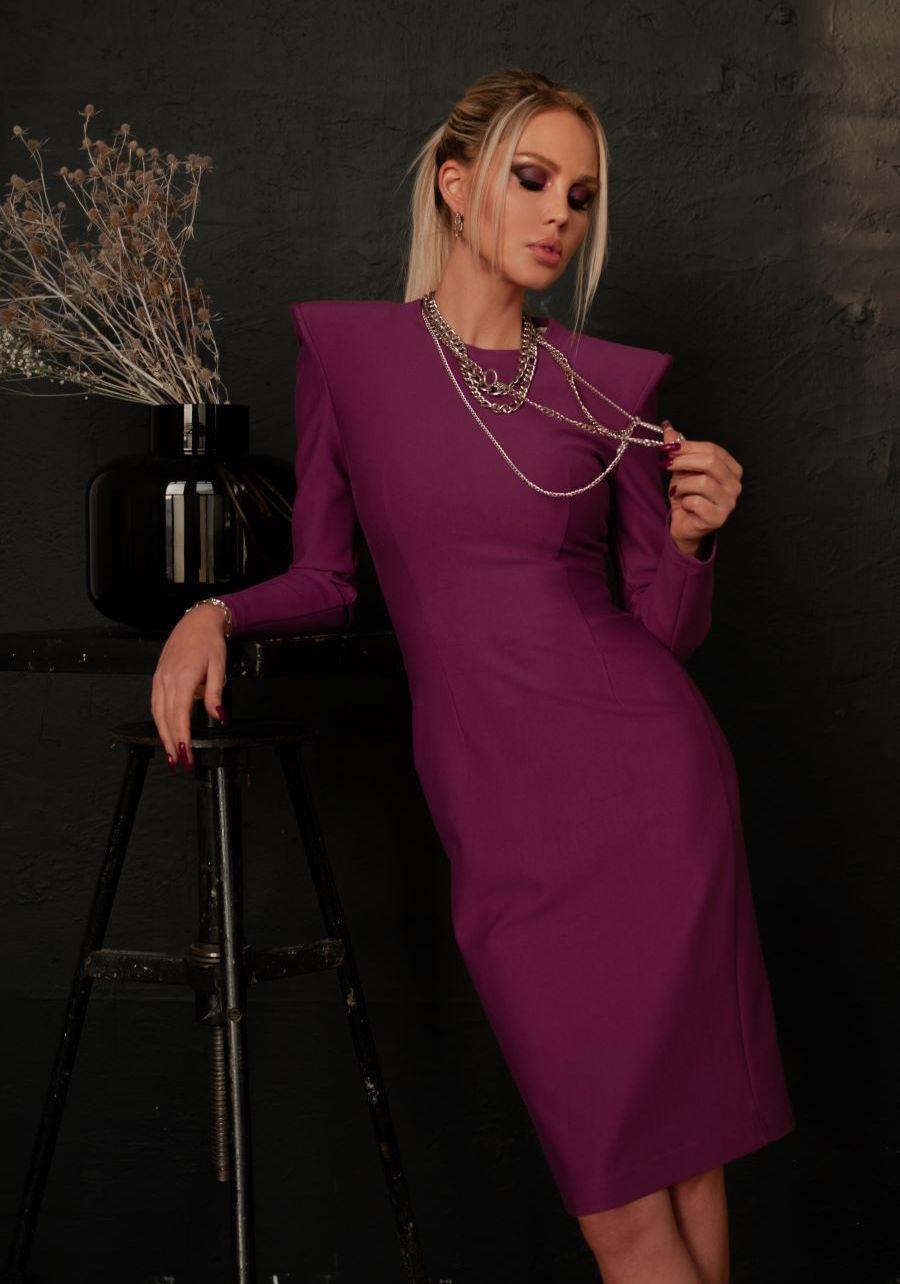 Платье из плотного трикотажа цвета фуксия миди
