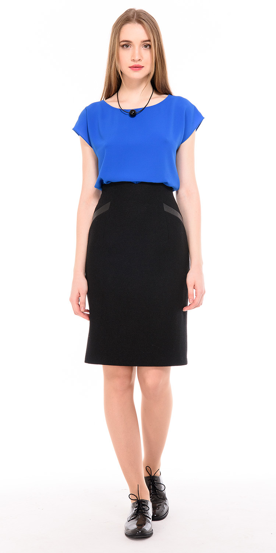 Блуза Г604-521 - Универсальная блуза прямого силуэта со спущенной линией плеча. Она прекрасно сочетается с любыми видами брюк или юбок, создавая яркий и стильный образ. Подходит для фигур любого типа.
