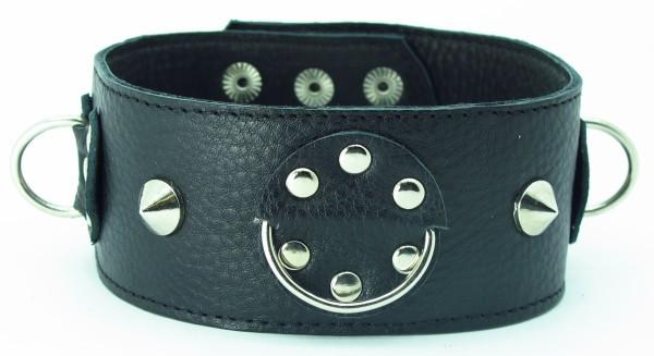 Чёрный кожаный ошейник с кольцами и клёпками