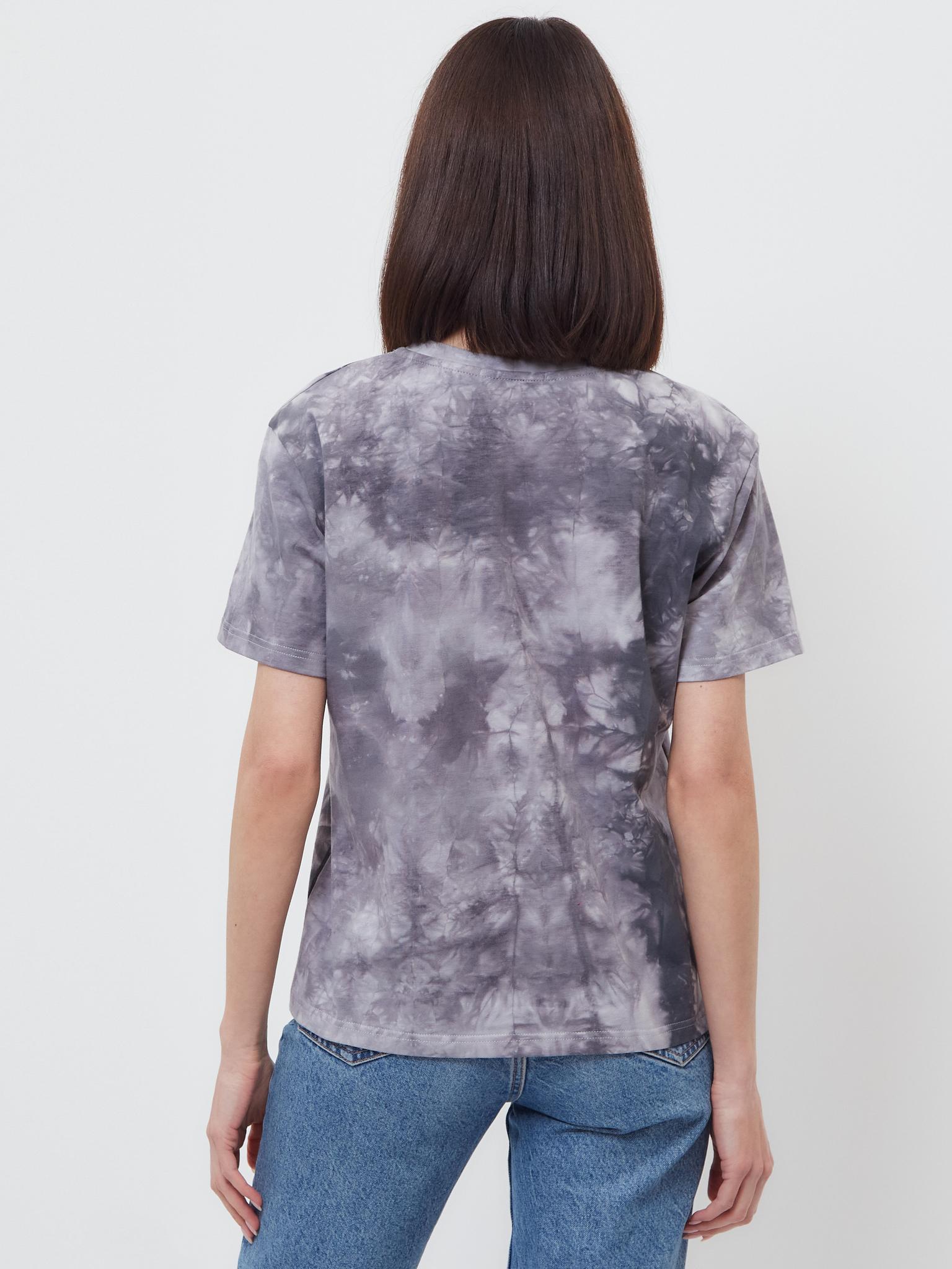 Классическая женская футболка Brandmania в модной расцветке тай-дай