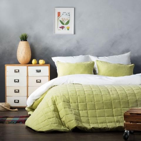 Комплект штор и покрывало Ламанш сливочно-зеленый