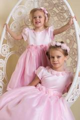 Нарядное платье для девочки (розовое)