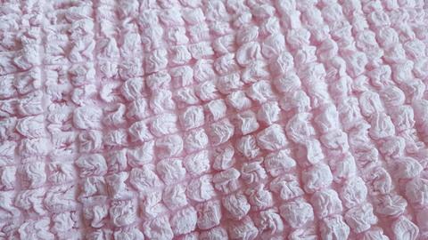 Чехол на 3-х местный диван розовый без оборки.