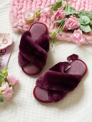 Меховые тапочки пурпурные с перекрестными шлейками с текстильной стелькой светло-сиреневой
