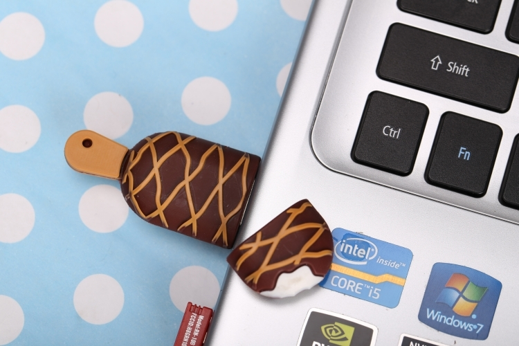 Ice Cream USB 2.0 Flash Memory Drive 8 GB