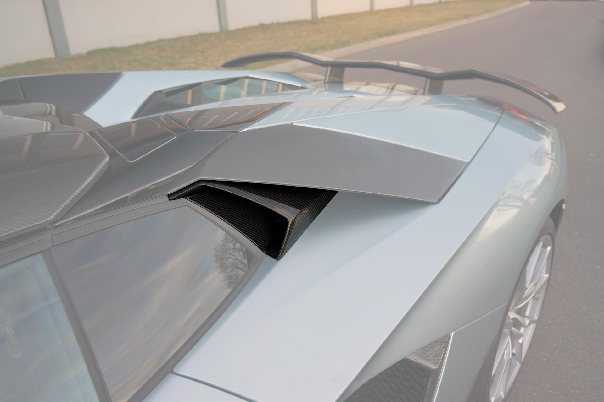 Карбоновые верхние малые воздухозаборники Mansory Style 2 для Lamborghini Aventador