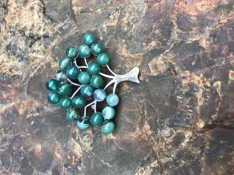 Брошь 300/8 дерево зеленый