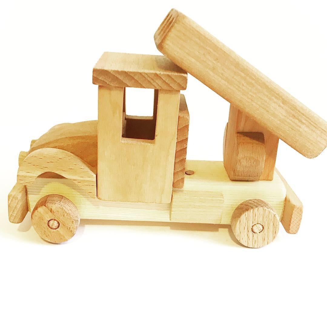 Деревянная  игрушка Машина Катюша