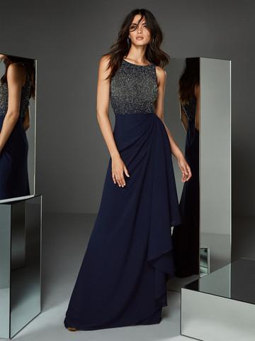 Вечернее платье классическое без рукавов