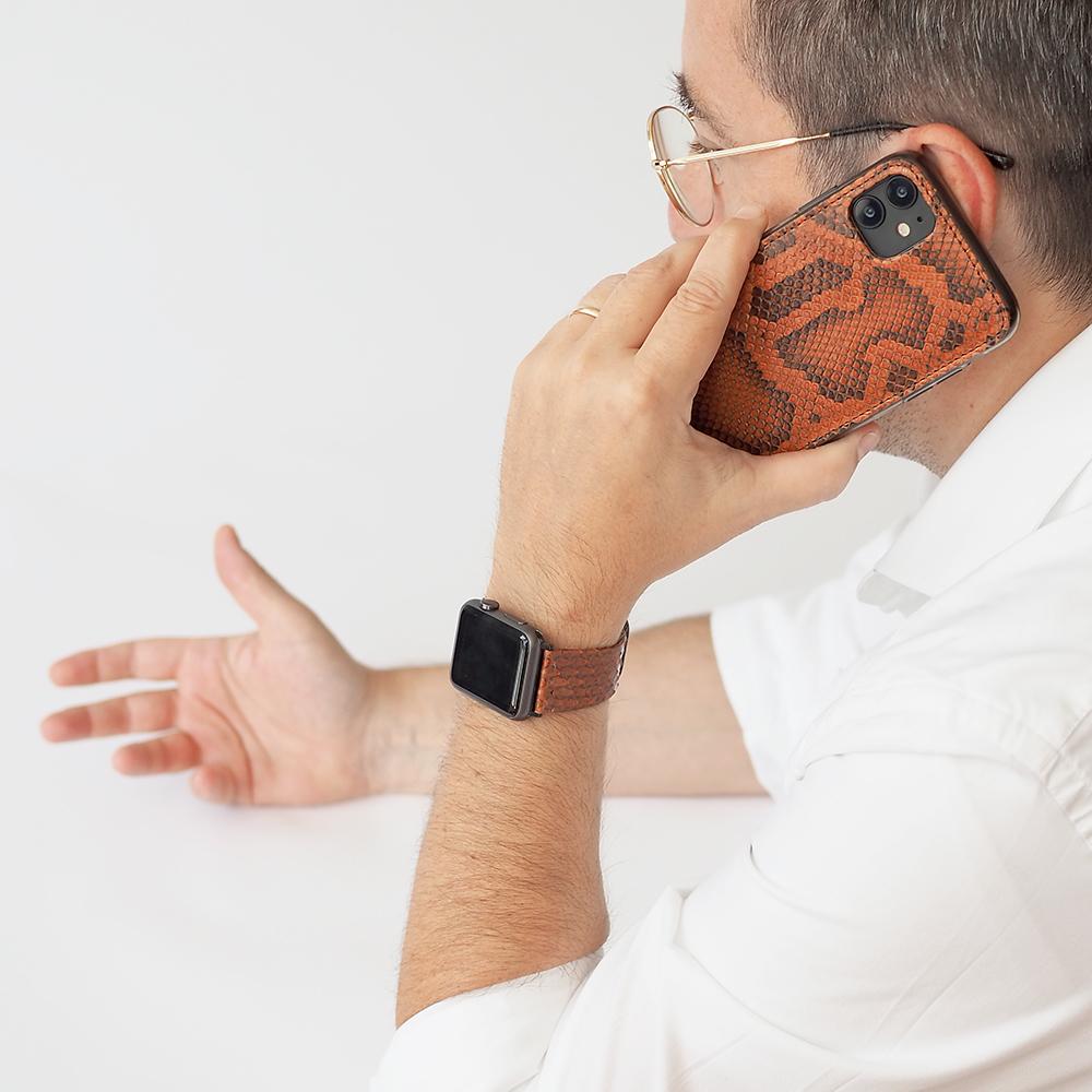 Чехол-накладка для iPhone 11 из натуральной кожи питона, цвета коньяк