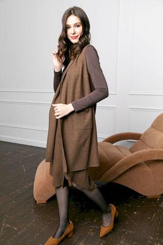Фото удлиненный жилет без пуговиц и с накладными карманами - Жилет С082-082 (1)