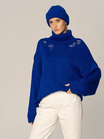 Женский комплект из свитера и шапки синего цвета - фото 1