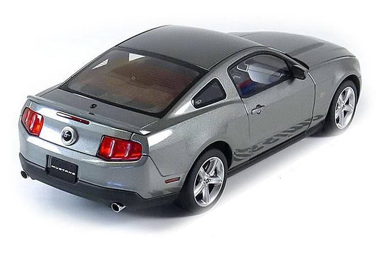 Коллекционная модель Ford Mustang GT 2010