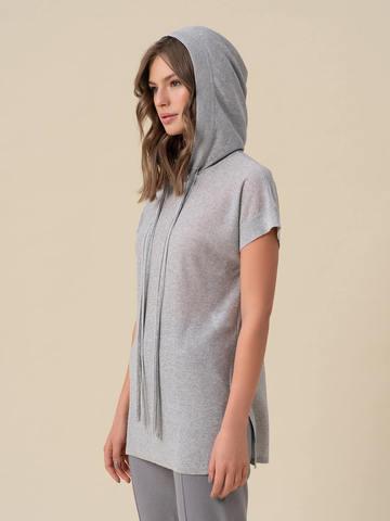 Женский джемпер серебряного цвета с капюшоном - фото 4