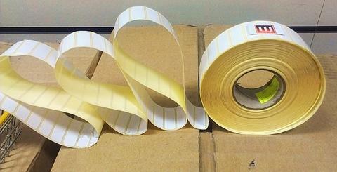 Этикетки 30х10х5000 полуглянец, втулка 40 мм ( для термотрансферных принтеров)