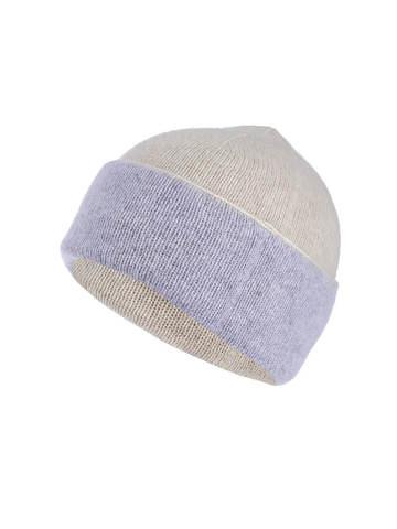 Женская шапка бежевого цвета из ангоры - фото 1
