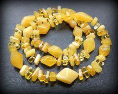 камнерезные бусы из натурального янтаря