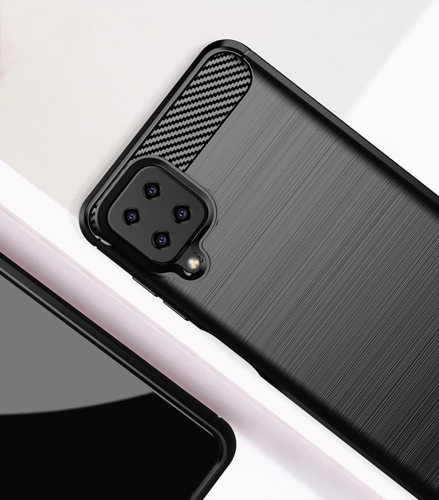 Мягкий чехол черного цвета в стиле карбон на Samsung Galaxy A12, серия Carbon от Caseport