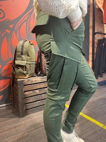Городские брюки олива с бомбой на шевроне Варгградъ купить в СПб за 5999р