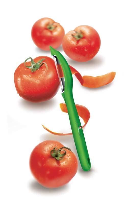 Victorinox Universal Peeler 7.6075.4 - универсальная овощечистка для овощей и фруктов   Wenger-Victorinox.Ru