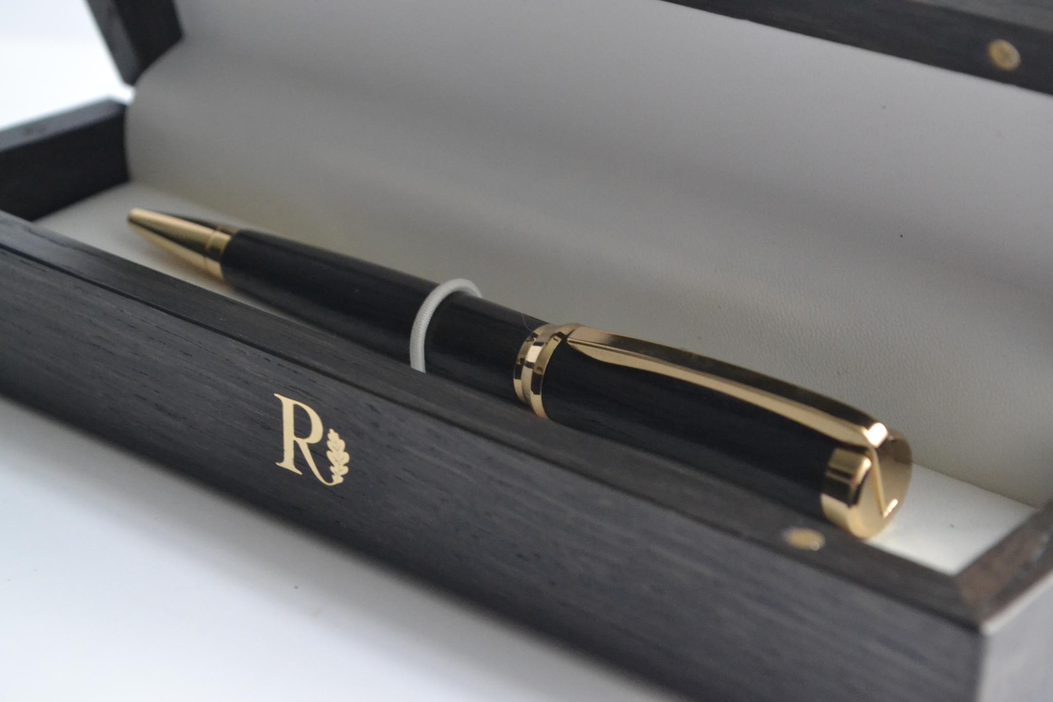 ручка в подарок