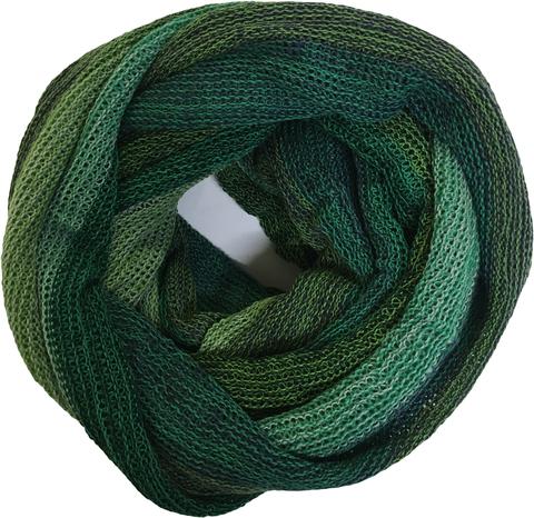 Полосатый шарф-снуд в зеленой гамме