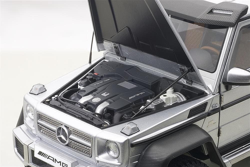 Коллекционная модель Mercedes-Benz Gelandewagen G63 6x6 AMG 2013