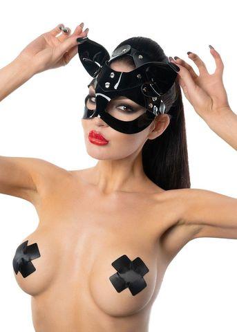 Черная лакированная маска кошки с ушками