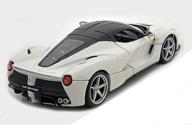 Коллекционная модель Ferrari LaFerrari 2014 White