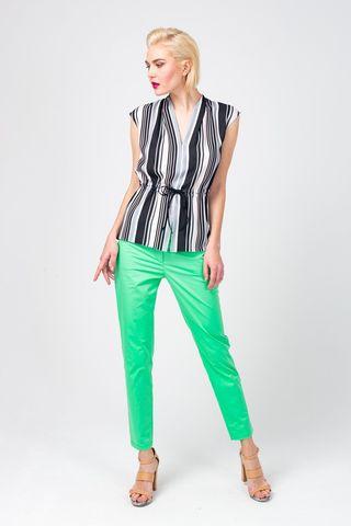Фото зеленые слегка зауженные, укороченные брюки из хлопка - Брюки А466-513 (1)