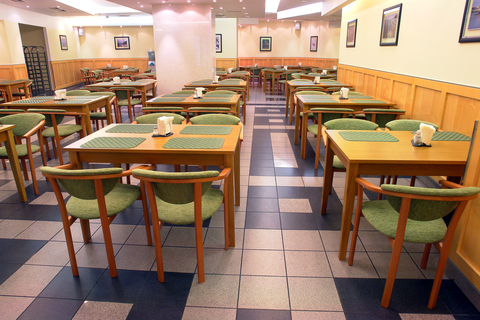 столы и кресла для ресторанов и кафе