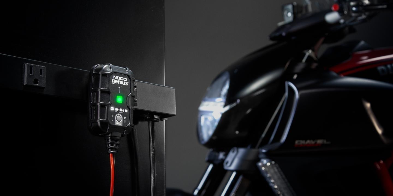 Зарядное устройство NOCO Genius1