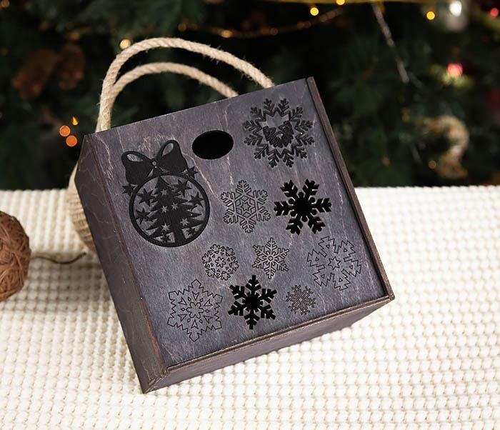 BOX202-1 Подарочная коробка с веревочными ручками (17*17*10 см) фото 02