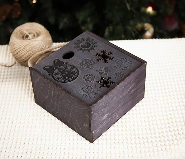 BOX202-1 Подарочная коробка с веревочными ручками (17*17*10 см) фото 03