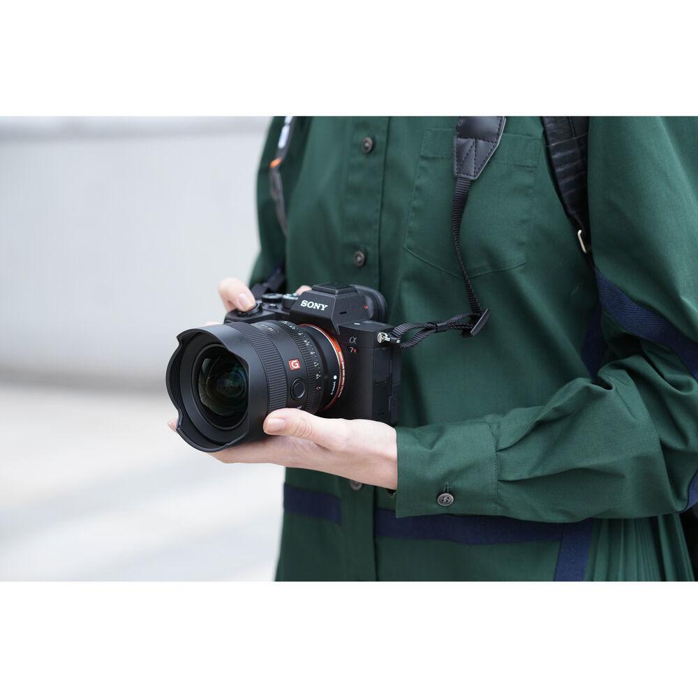 Ширик Sony SEL-14F18GM для реализации ваши смелых творческих задумок