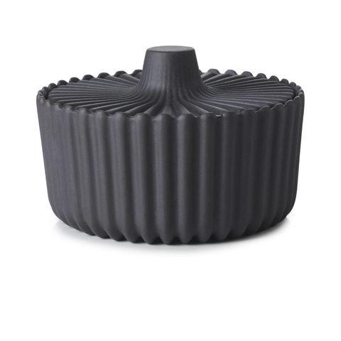 Фарфоровая сахарница с крышкой, черная, артикул 653639, серия Pekoe