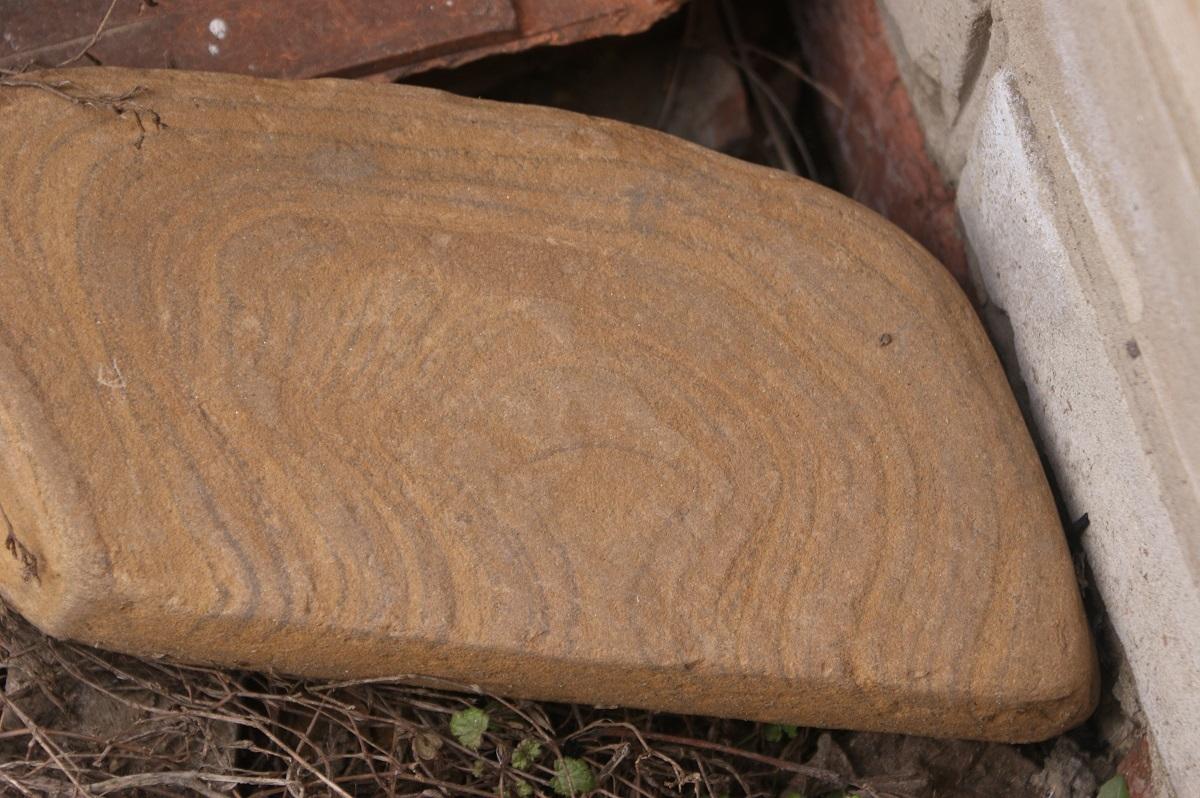 Текстурный камень Песчаник галтованный Ручейник РЫЖИК коричневый