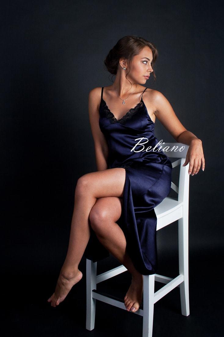Красивая шелковая длинная ночная рубашка (комбинация, сорочка) женская синего цвета. Купить на подарок в Киеве