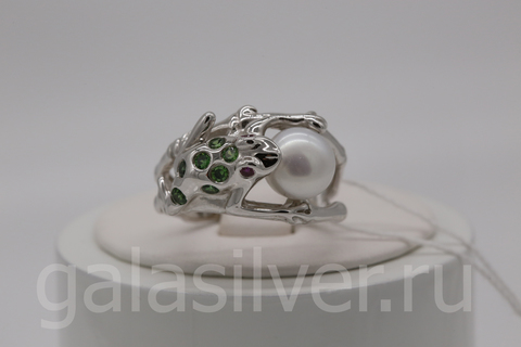 Кольцо с жемчугом и цирконами из серебра 925