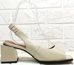 Модная летняя обувь. Бежевые босоножки на толстом каблуке Brocoli H150-9137-2234 Cream.
