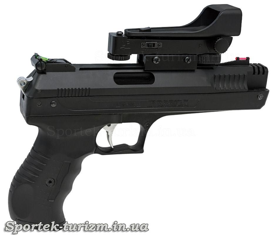 Вид праворуч на Beeman P17 - пружинно-поршневий пневматичний пістолет