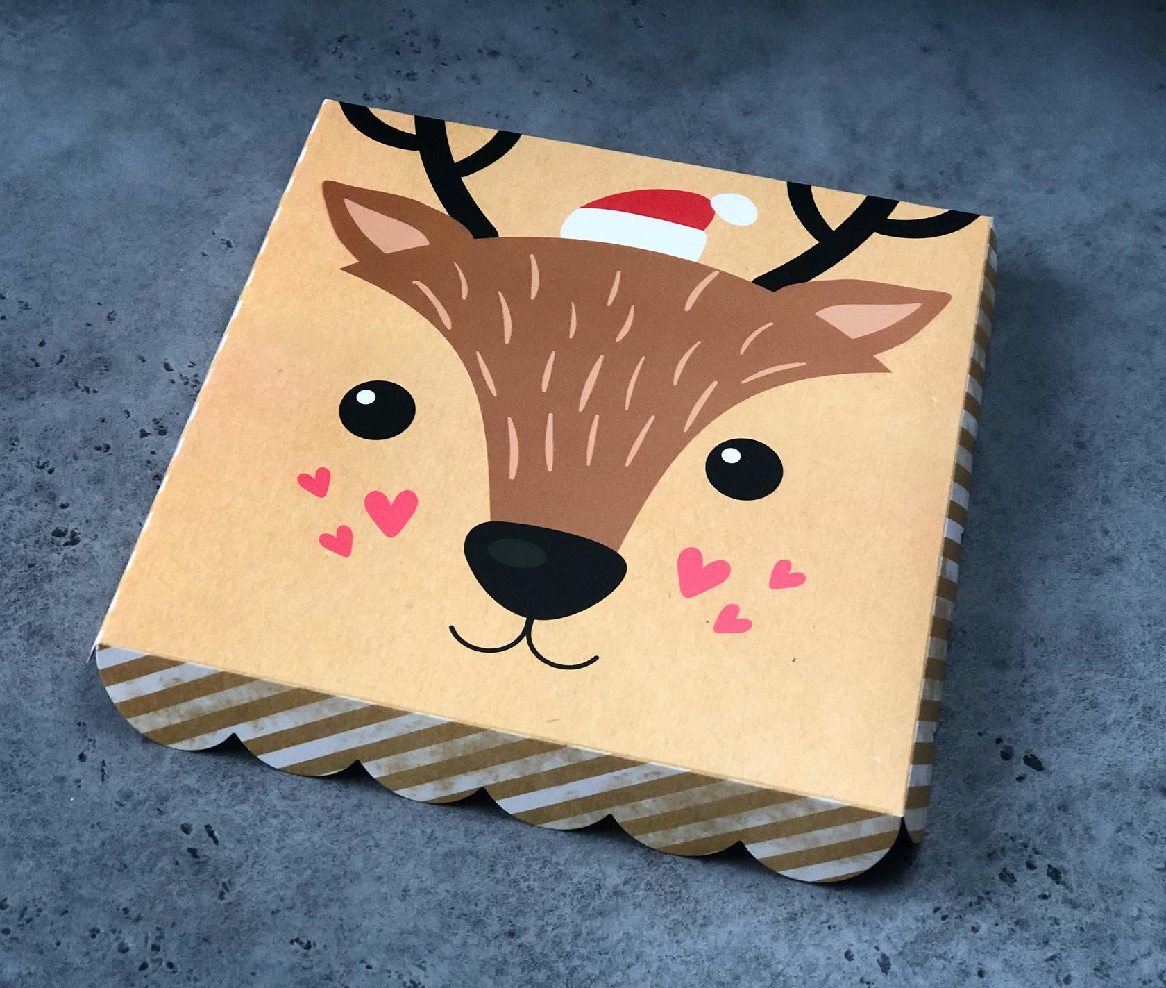 Коробка «Оленёнок»  21х21х3см