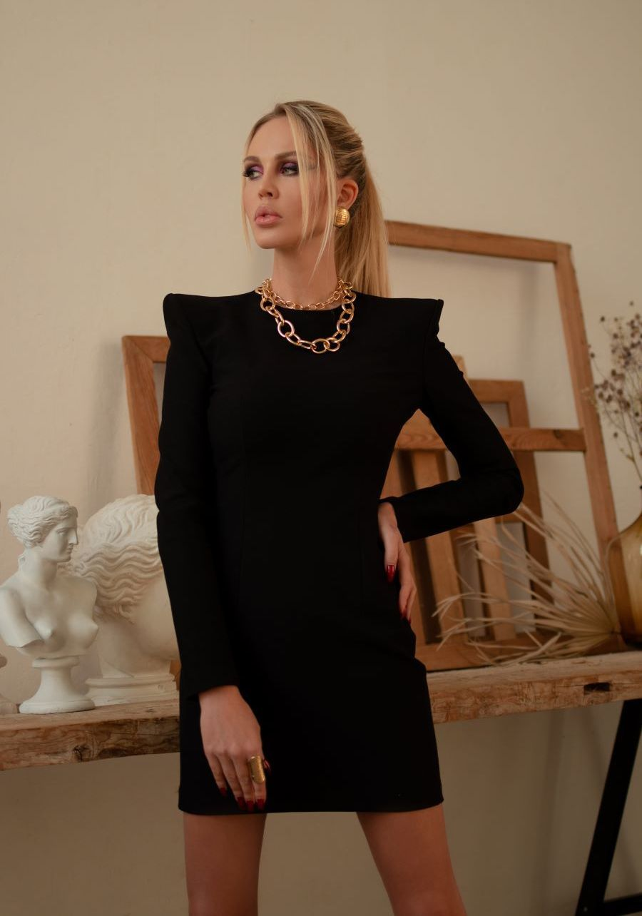 Платье из  плотного черного трикотажа мини