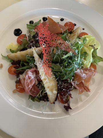 Салат з пармою та грушею 150 г