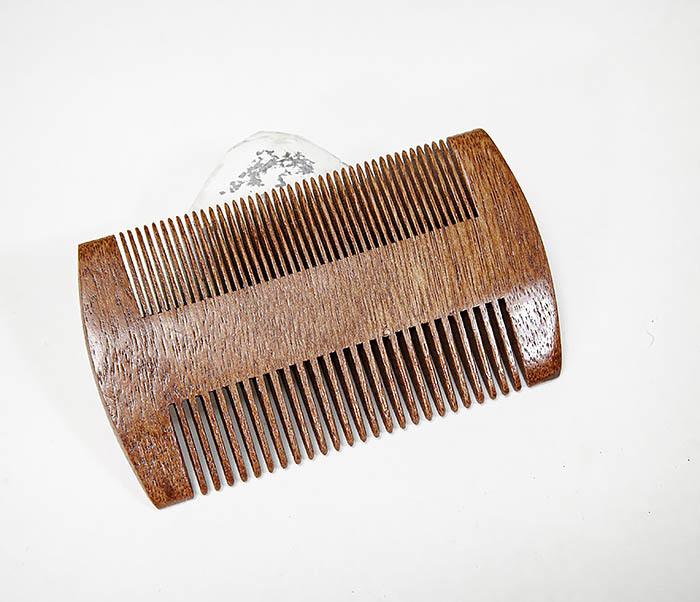 CARE152-2 Двухсторонний гребень для бороды из дерева