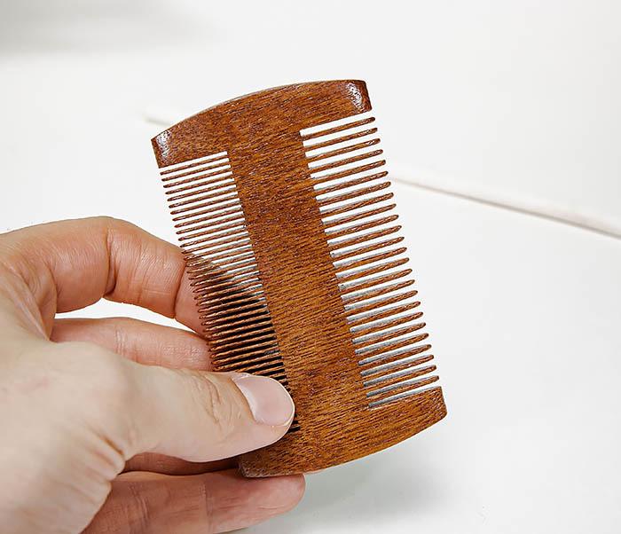 CARE152-2 Двухсторонний гребень для бороды из дерева фото 05